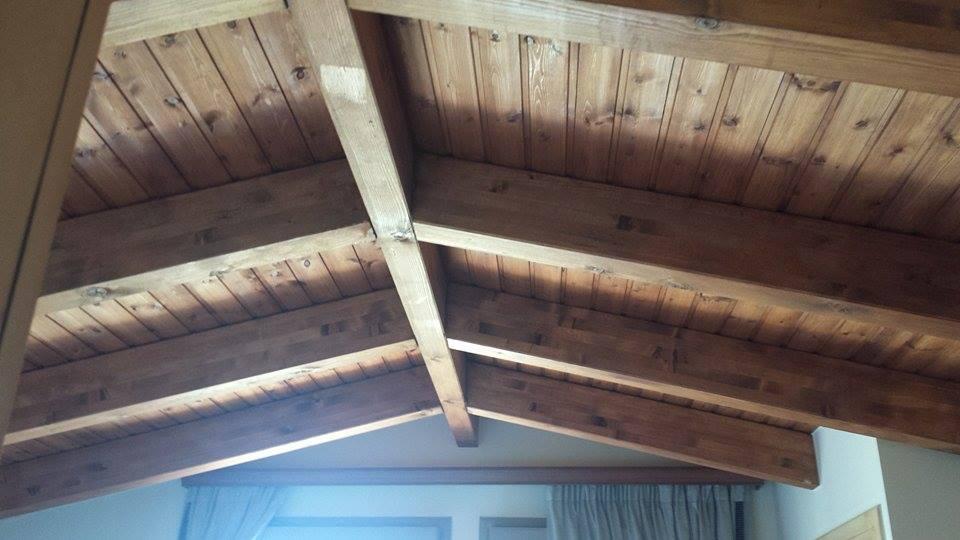 Σύθνετη ξυλεία σε μονοκατοικία στον Κάλαμο - Έργα Αντωνόπουλος