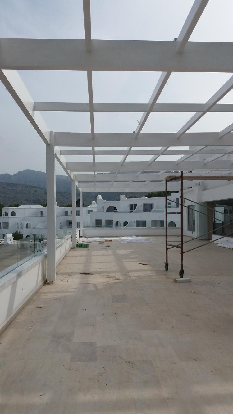Σύνθετη ξυλεία Ελάτης σε ξενοδοχειακή μονάδα στην Κρήτη - Έργα Αντωνόπουλος