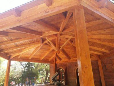 Σύνθετη ξυλεία Ελάτης σε σκέπαστρο στο Δήμο Χαϊδαρίου - Έργα Αντωνόπουλος