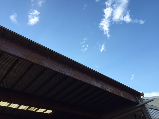 Σύθνετη ξυλεία σε στέγαστρο σε εργοστάσιο - Έργα Αντωνόπουλος