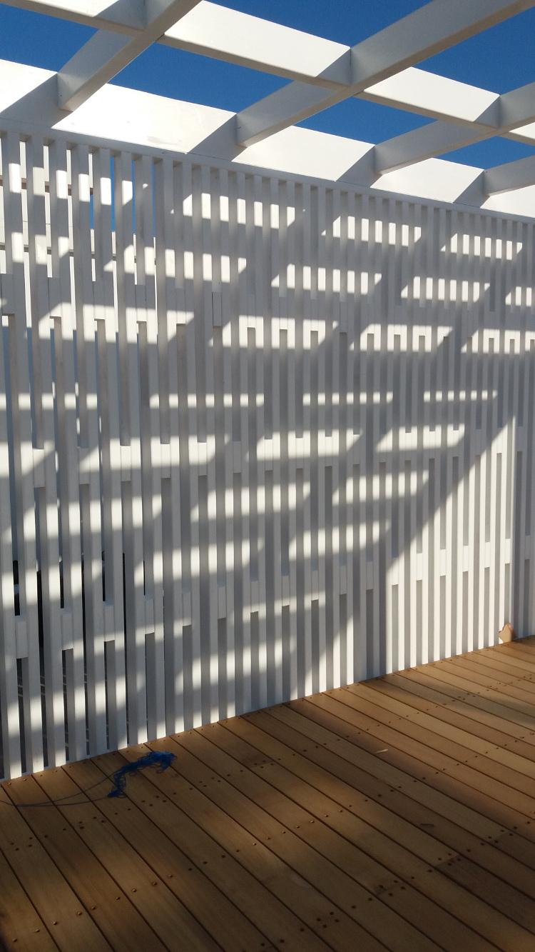 Ντεκ Ιρόκο σε ξενοδοχειακή μονάδα στην Κρήτη - Έργα Αντωνόπουλος