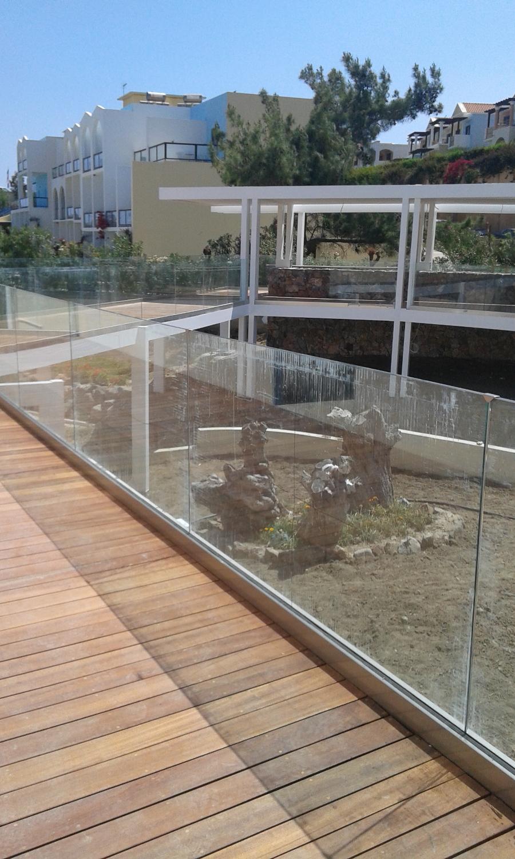 Ντεκ σε ξενοδοχειακή μονάδα στη Ρόδο - Έργα Αντωνόπουλος